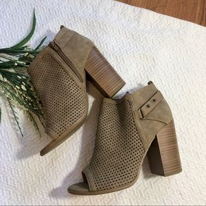 Coconuts By Matisse Perforated Ankle Booties 6.5